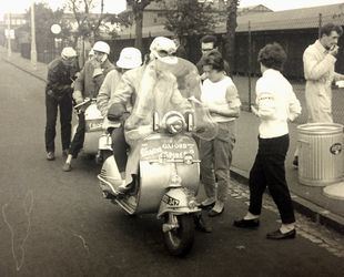Fort Dunlop Vespa rally